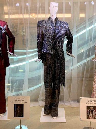 珠城りょうさんの衣装
