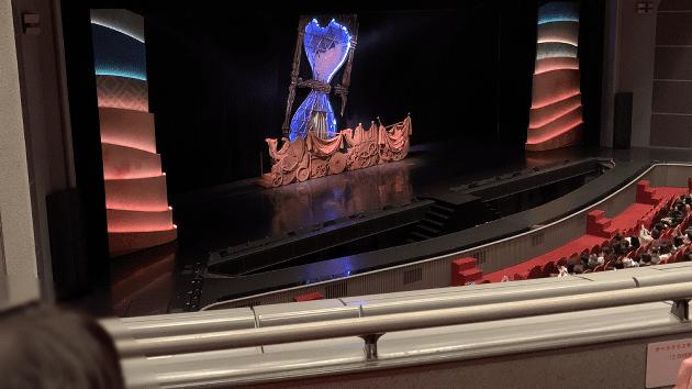 宝塚大劇場2階2列L席(A席)に座った際の写真